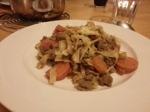 Beef tagliatele with carrots & sour cream sauce, mnjam!