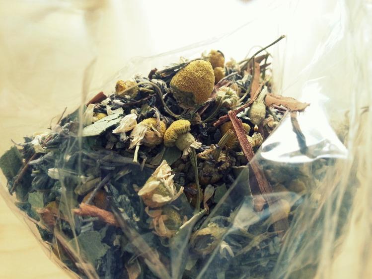 Chamomille flowers, eucalyptus & sage mix.