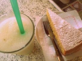 Mallorcan almond milk and Mallorcan almond cake!