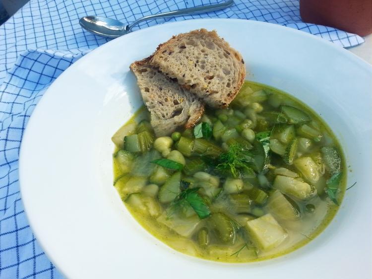 Groene soep van courgette, venkel en selderij